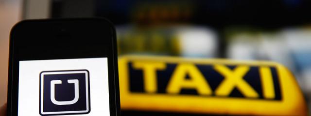 Мобильные приложения Uber и «Яндекс.Такси» могут быть запрещены в России
