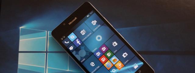 Компания Microsoft внедрила бесконтактные платежи на смартфонах с Windows 10